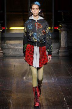 Moschino Fall 2016 Menswear Fashion Show