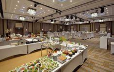 Ilyen a kétharmadrészt felújított budavári Hilton Conference Room, Table Settings, Hotels, Group, Furniture, Home Decor, Decoration Home, Room Decor, Table Top Decorations