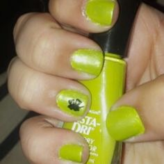St. Patrick's Day nail art painted by me