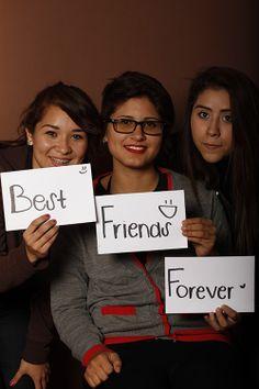 Best, Paola Vázquez, Estudiante, Prepa TECMonterrey, México  Friends, Lizeth Ojeda, Estudiante, Prepa TEC, Monterrey, México  Forever, Jessica Zapata, Estudiante, Prepa TEC, Monterrey, México