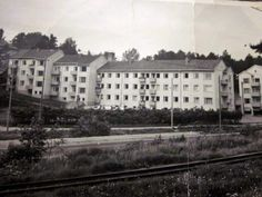 """FB: """"Muistojen Helsinki"""", Etelä-Haaga, Pappilanmäki....silloin joskus 50-luvulla kun raitiovaunukin kulki Hämeenlinnantien kupeessa."""
