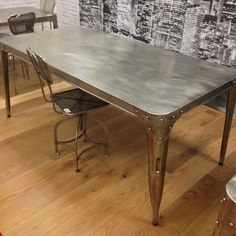 Exceptionnel Looking For Aviation Dining Tables You Have Come To The Right Place