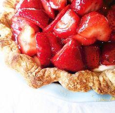 Euna Mae's : classic strawberry pie