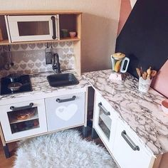 Do you know too: in the children& kitchen, the work space is insufficient? Ikea Kids Kitchen, Ikea Kitchen Remodel, Diy Play Kitchen, Toy Kitchen, Ikea Furniture Hacks, Ikea Hacks, Ikea Duktig, Childrens Kitchens, Kids Cafe