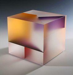 Segmentation: Glass Sculptures by Jiyong Lee Colorful geometric glass sculptures inspired by his fascination wit. Art Cube, Sculpture Metal, Cool Shapes, Antony Gormley, Art Moderne, Jiyong, Oeuvre D'art, Design Art, Glass Art