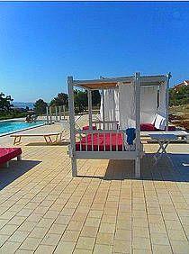 Villa Bianca: Ferienhaus in Syrakus Isola - Liegemöglichkeiten am Pool.- www.sicilia-ferien.de
