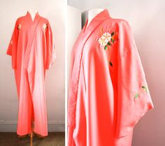 Vintage 1970's Japanese Kimono Robe Dressing Gown at CutandChicVintage, $138.00
