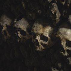 More from the Catacombs beneath the streets of Paris . . . #skulls #skull #paris #catacombs #death #sad #canon #canon5d #lightroom #instapic #scary #dark #tunnel #welivetoexplore #createexploretakeover
