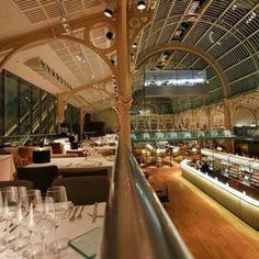 Restaurante e Bar Paul Hamlyn Hall, em Londres, Inglaterra. Projeto do escritório B3 Designers. #restaurant #restaurante #sentidos #sense #artes #arts #art #arte #decor #decoração #architecturelover #architecture #arquitetura #design #interior #interiores #projetocompartilhar #davidguerra #shareproject #paulhamlynhall #paulhamlyn #bar #londres #london #uk #unitedkingdom #reinounido #inglaterra #b3 #b3designers