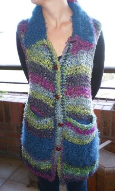 lana boucle y angora en colores azul, morado, verde y gris