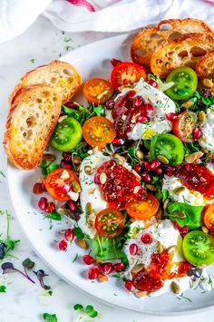 Tomato Pomegranate Burrata Salad - The best flavors of autumn and summer with cherry tomatoes, pomegranate, and fig jam on top of creamy burrata and greens. Burrata Salad, Cooking Recipes, Healthy Recipes, Pancake Recipes, Breakfast Recipes, Good Food, Yummy Food, Soup And Salad, Clean Eating Snacks