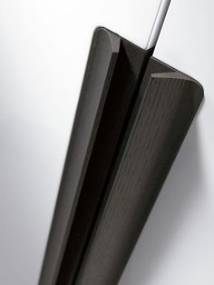 CHIC- Design Carré with Fernando Salas and Jordi Dedeu. Wardrobe Handles, Joinery Details, Finger Pull, Furniture Handles, Wardrobe Design, Cabinet Handles, Door Design, Design Elements, Furniture Design