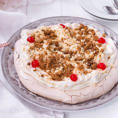Joulupavlova Something Sweet, Sweet And Salty, No Bake Cake, Tiramisu, Baking, Ethnic Recipes, Desserts, Food, Tailgate Desserts