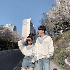 Cute Couples Photos, Cute Couple Pictures, Best Friend Pictures, Cute Couples Goals, Romantic Couples, Korean Girl Ulzzang, Couple Ulzzang, Cute Korean Girl, Korean Best Friends