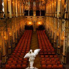 pianordquist #Castle #chruch #tradition #instagramhub #instafollow #instaamazing #igersdenmark #Frederiksborg #insta #amazing #beauty #beautiful #