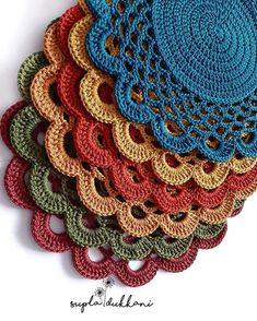 Crochet Circle Pattern, Crochet Placemat Patterns, Crochet Flower Tutorial, Crochet Lace Edging, Crochet Circles, Crochet Flower Patterns, Baby Knitting Patterns, Crochet Home, Crochet Gifts