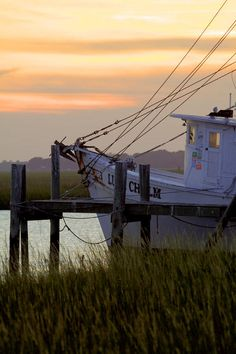 Shrimp Boat Sunset, Charleston, SC. Photography by Dustin K. Ryan, via Flickr.