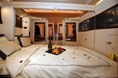 Singapore Airlines New First Class Double Bed Seats, Airbus A380....excuse me...this is how we fly firstclass....xx