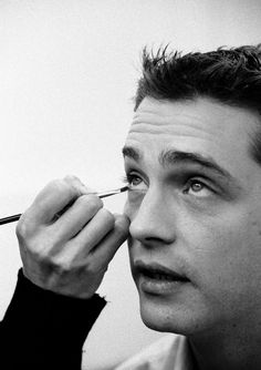 Jason Priestley - I searched for Brandon throughout the years but kept ending up with Dylan. Jason Priestley, Beverly Hills 90210, Famous Men, Close Up, Cinema, Hollywood, Hubba Hubba, Actors, Black And White