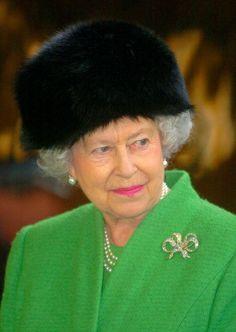 Queen Elizabeth, February 25, 2005 | The Royal Hats Blog