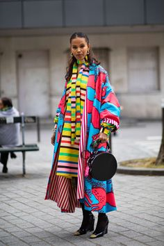 The 177 Best Street Style Looks From Spring 2020 Fashion Month - Fashionista Spring Street Style, Street Style Looks, New York Fashion, Paris Fashion, Parka, All Black Looks, Cool Street Fashion, Style Me, How To Wear