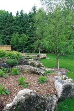 Harmonious: Rustic de Rigueur Moss Garden, Stepping Stones, Landscape Design, Grass, Rustic, Architecture, Outdoor Decor, Modern, Herb