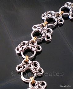 daisykreates: PawPrints Chainmaille Bracelet