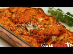 Dit is echt heel erg lekker. En wat helemaal fijn is, de oven doet het meeste werk. Deze ovenschotel kabeljauw zit boordevol groenten, lekkere malse vis en een waanzinnige saus van gegrilde paprika en Parmezaanse kaas. Mmm! Char Siu, Pesto Pasta, Tandoori Chicken, Tapas, Allrecipes, Curry, Foodies, Healthy Recipes, Fish