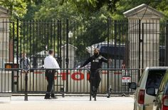 Secret Service shoots gun-wielding man near White House 05.21.16 A U.S. Secret Service agent shot a man who brandished a gun near the White House on Friday while President Barack Obama was out golfing, and the man was taken to a hospital in critical condition, officials said.
