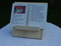 Buchständer aus Ahornholz