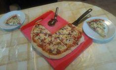 Sonkás-gombás pizza gazdagon
