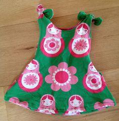 Sunny Sewing: Tijdgebrek: een cadeautje. Jurkje voor een baby.