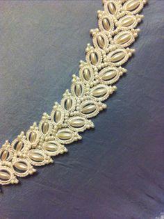 Tatting Bracelet, Tatting Earrings, Lace Bracelet, Tatting Jewelry, Tatting Lace, Beaded Earrings, Crochet Earrings, Col Crochet, Irish Crochet