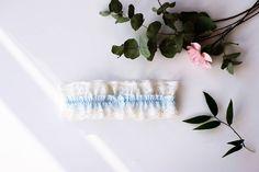 Sezon ślubny zbliża się wielkimi krokami. Czas rozpocząć przygotowania! Nasza ecru podwiązka z niebieską koronką będzie idealnym prezentem dla Panny Młodej 💙 #lebaiserlingerie #lebaiser #prezent #gift #pomysłnaprezent #bielizna #underwear #lingerie #handmadewithlove #handmadeisbetter #handmade #podwiązka #garter #cośniebieskiego #somethingblue #ślub #pannamłoda #bride #wedding #flowerlover #ślubnagłowie #flatlay #lacelover #instagood #hellosaturday #saturdaymorning #saturdayvibes…