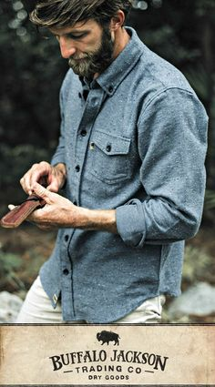 These men's casual button down shirts are a guy's favorite go-to. Perfect for cool days on the trail or at the tailgate. Easy to dress up or down, whatever your style. Rugged Style, Mode Masculine, Sweater Shirt, Men Sweater, Mens Flannel Shirt, Style Brut, Fashion Sale, Fashion Photo, Fashion Men