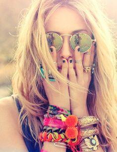 Lo que el verano nos dejó... Recuerdos, amigos, fotos divertidas y momentos que no volverán a repetirse.  La juventud se enardece en verano, pero no por el sol, sino por las ganas de sentirse vivo!