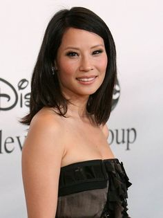 Lucy Liu, Hollywood Actresses, Actors & Actresses, Haircuts For Medium Length Hair, Lindsay Price, Lucy Watson, Gorgeous Body, Model Face, Jolie Photo