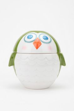 So cute! I love nesting measuring cups -- especially when they are disguised as a cute owl!
