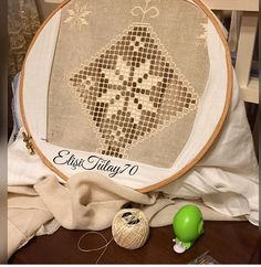 Drawn Thread, Embroidery Stitches, Diy And Crafts, Shabby Chic, Home Decor, Hardanger Embroidery, Amigurumi, Dresses For Babies, How To Make