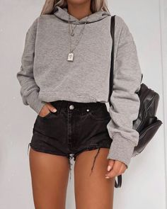 Trend Clothes & Fashion Looks For Your Street Style Outfit Ideas - Outfit Ideen Cute Comfy Outfits, Stylish Outfits, Short Outfits, Cute Simple Outfits, Casual Teen Outfits, Simple Outfits For Teens, Cute College Outfits, Edgy Summer Outfits, Spring Outfits For Teen Girls