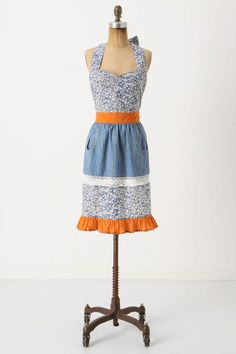 sweetheart neckline, rickrack, and cute pockets!