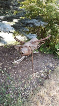 When pigs fly Flying Pig, Pigs, Garden Art, Yard, Projects, Animals, Decor, Log Projects, Animales
