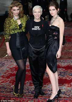 Annie Lennox & her daughters, Tali & Lola