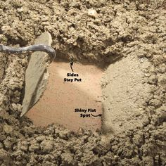 How to hand mix concrete so it delivers maximum strength and durability. Concrete mixing isn't complicated and it should last when done well. Concrete Mix Ratio, Types Of Concrete, Concrete Casting, Concrete Pad, Mix Concrete, Concrete Forms, Concrete Steps, Poured Concrete, Concrete Crafts