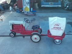 ford 900 pedal tractor and trailer Vintage Tools, Vintage Diy, Vintage Cars, Pedal Tractor, Pedal Cars, Tractors For Kids, Ford Tractors, Antique Tractors, Farm Toys