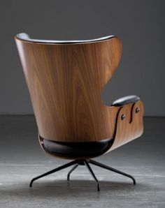 Clean, Masculine Lines. Now that's a chair. #Eames #Chair #BB+BLifestyle #Masculine #Wood