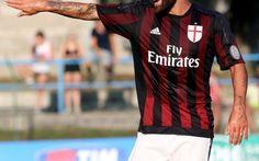 Il Milan vicino alla cessione del centrocampista Il Milan è vicino alla cessione di un esubero ma non solo..il centrocampista ha diverse richieste dalla Major League Soccer ma anche dalla Spagna..Una cessione che potrebbe sbloccare il mercato del M #milan #calciomercato