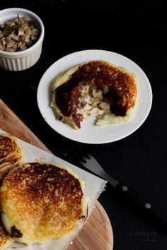 Pastelitos De Patata Rellenos De Champiñones Y Romero