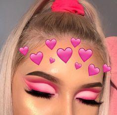 How To remove waterproof eyeliner? Make up eyes - If eyeliner and mascara are waterproof, this places special demands on your eye make-up remover. Makeup Eye Looks, Cute Makeup, Eyeshadow Looks, Glam Makeup, Pretty Makeup, Skin Makeup, Eyeshadow Makeup, Highlighter Makeup, Gel Eyeliner