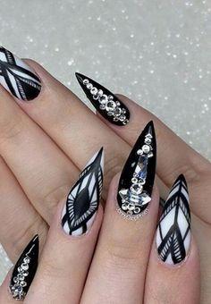# Black & White Nail Art